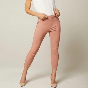 Modern cropped stretch legging